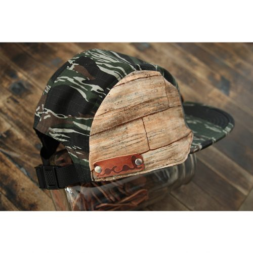 Woodgrain 5-Panel Strapback