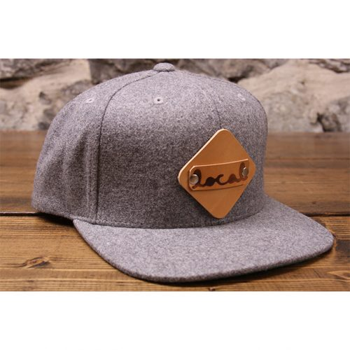 Light gray woolie snapback front