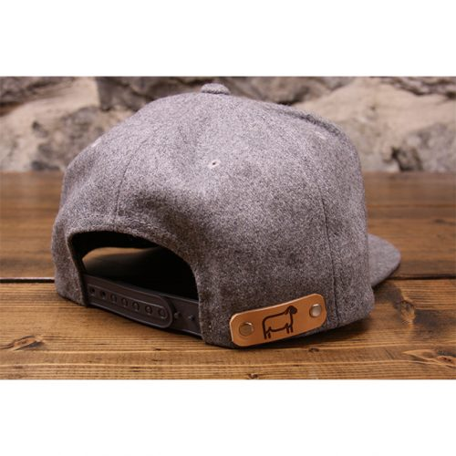 light gray woolie snapback back